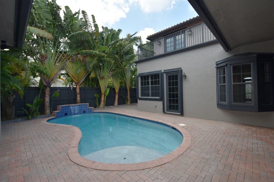 Real Estate Photography - 400 NE 11th Ave, Ft. Lauderdale, FL, 33301 - Pool
