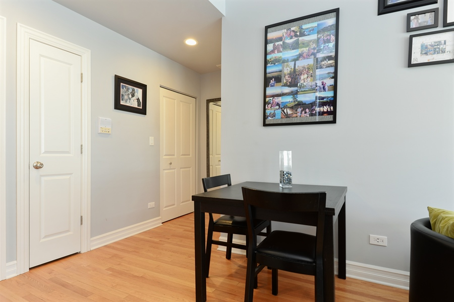 Real Estate Photography - 1426 W Lunt, unit 3 N, Chicago, IL, 60626 - Dining Area