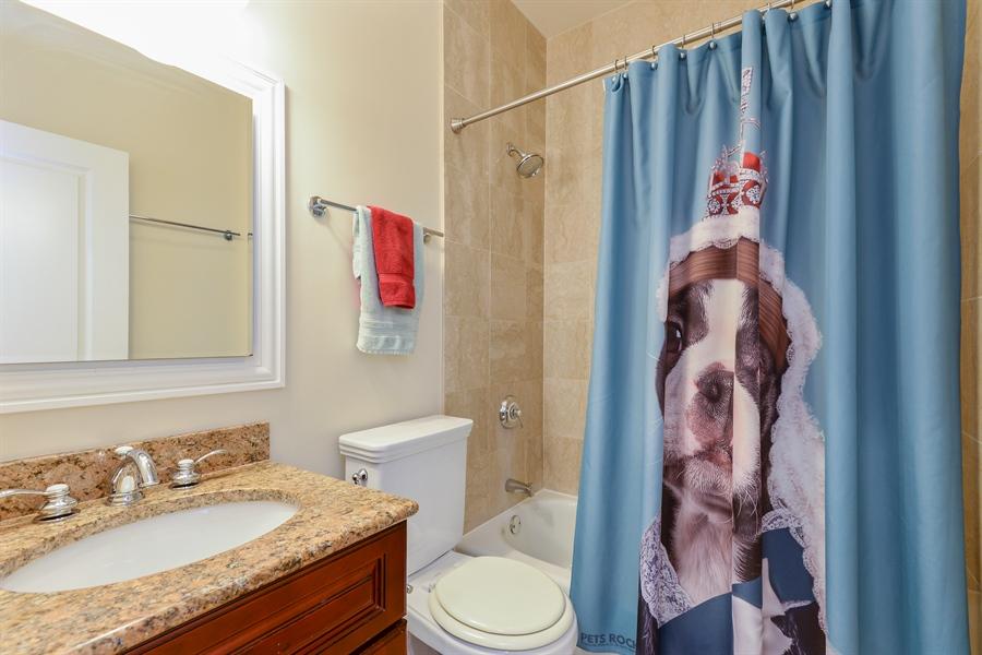Real Estate Photography - 1426 W Lunt, unit 3 N, Chicago, IL, 60626 - Bathroom
