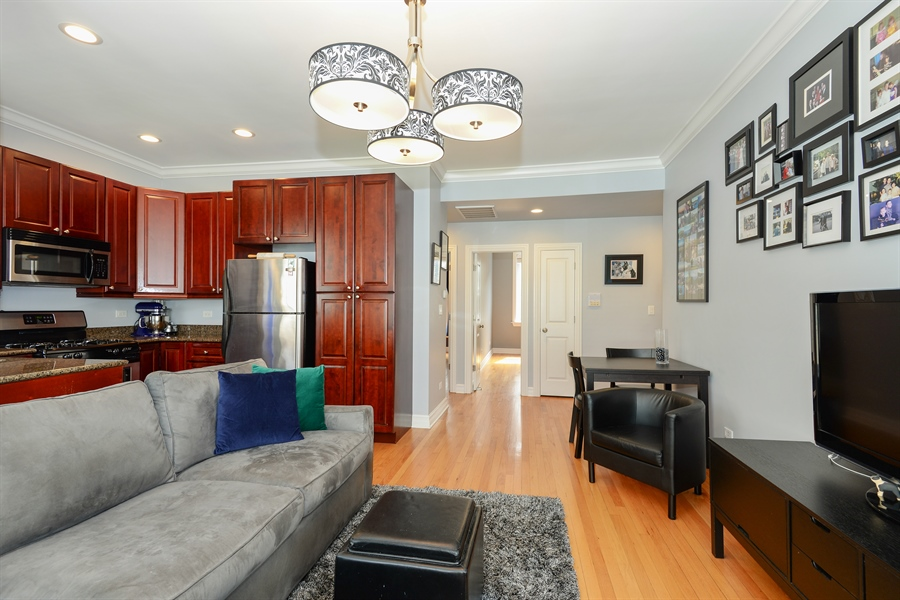 Real Estate Photography - 1426 W Lunt, unit 3 N, Chicago, IL, 60626 - Kitchen / Living Room
