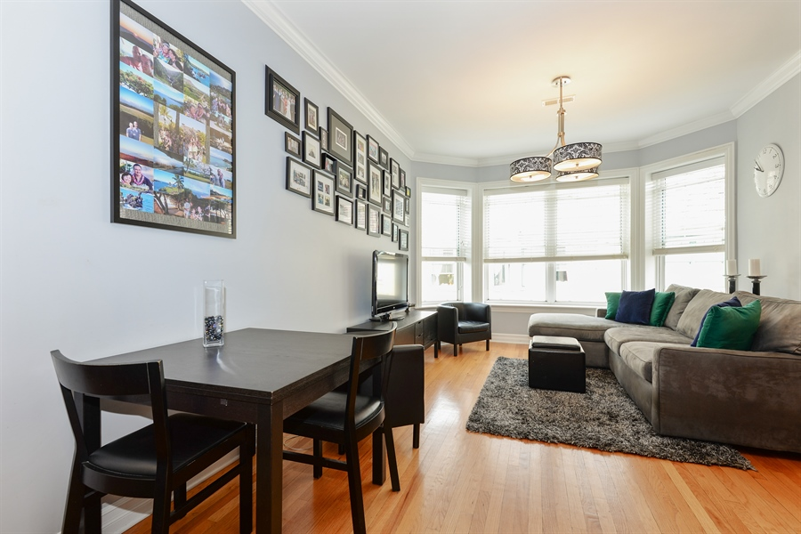 Real Estate Photography - 1426 W Lunt, unit 3 N, Chicago, IL, 60626 - Living Room / Dining Room