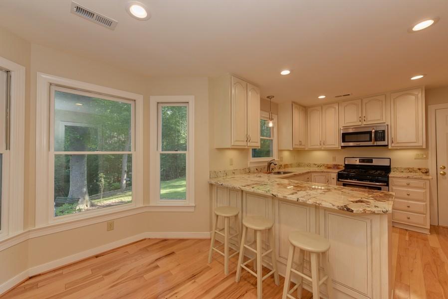 Real Estate Photography - 307 Winterberry Ln, Smithfield, VA, 23430 - Kitchen