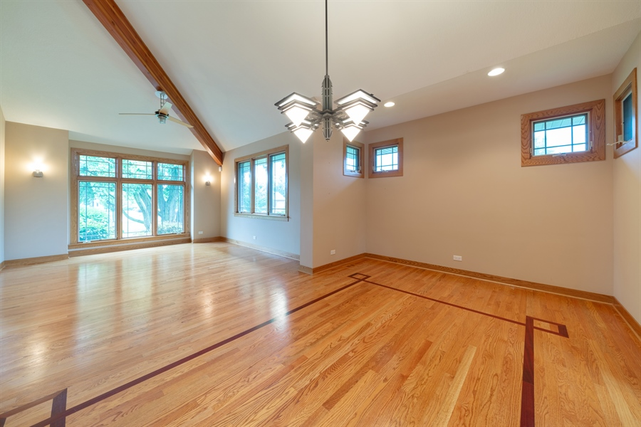 Real Estate Photography - 21333 Saddle Lane, Mokena, IL, 60448 - Living Room