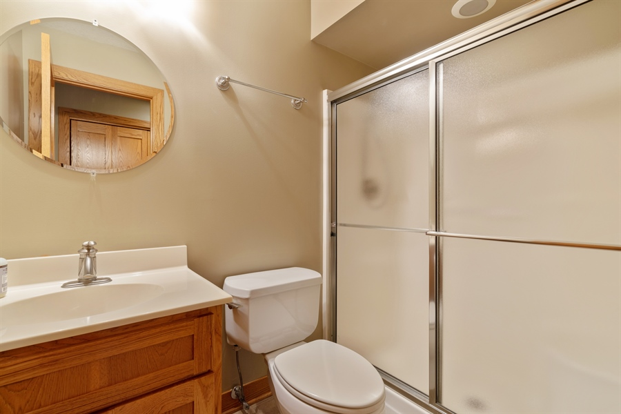 Real Estate Photography - 21333 Saddle Lane, Mokena, IL, 60448 - 2nd Bathroom