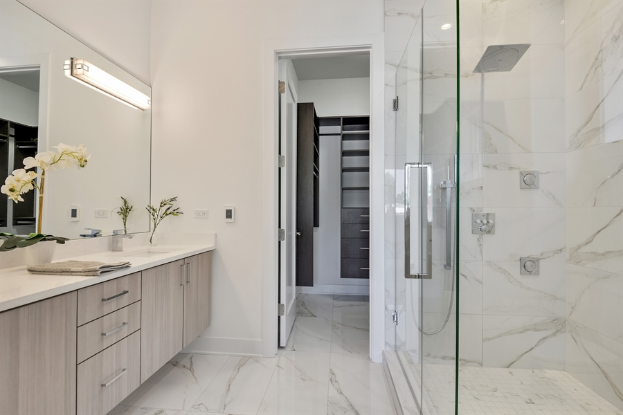 Real Estate Photography - 2649 N Mildred, Unit #3N, Chicago, IL, 60614 - Master Bathroom