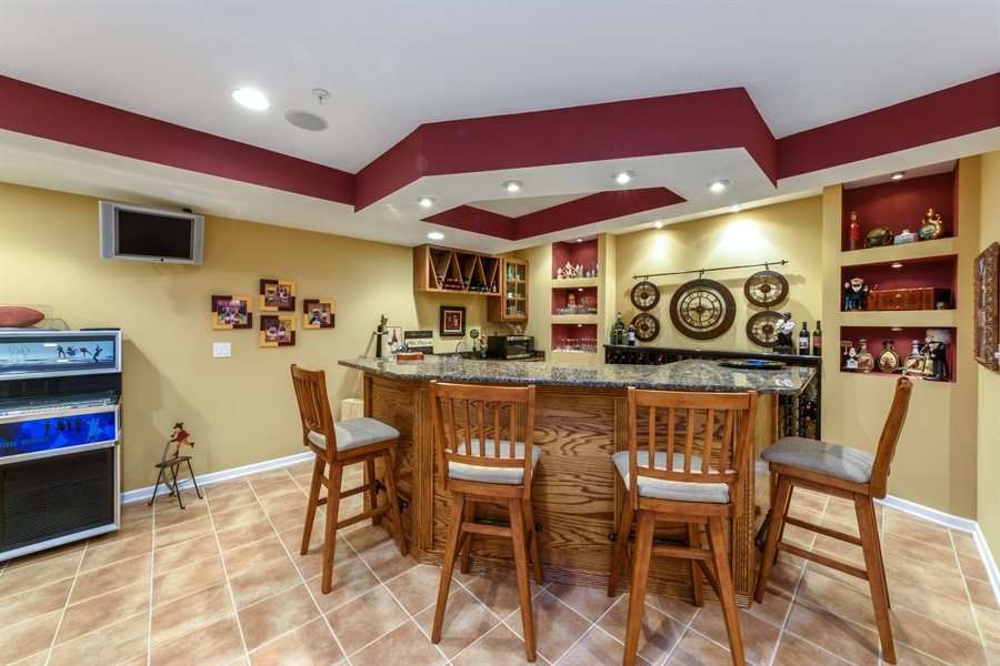 Real Estate Photography - 6322 Valley View, Long Grove, IL, 60047 - Bar