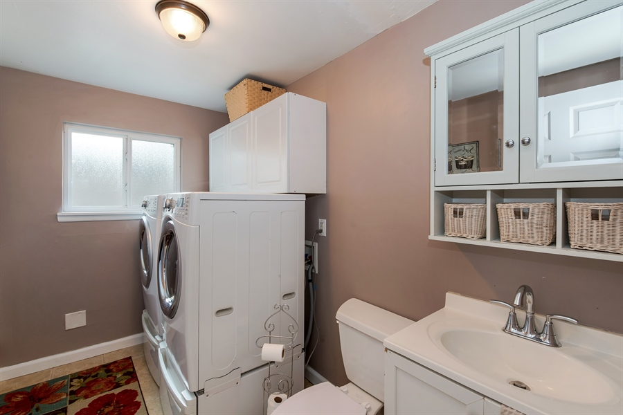 Real Estate Photography - 34212 18th Pl S, Federal Way, WA, 98003 - Laundry Room