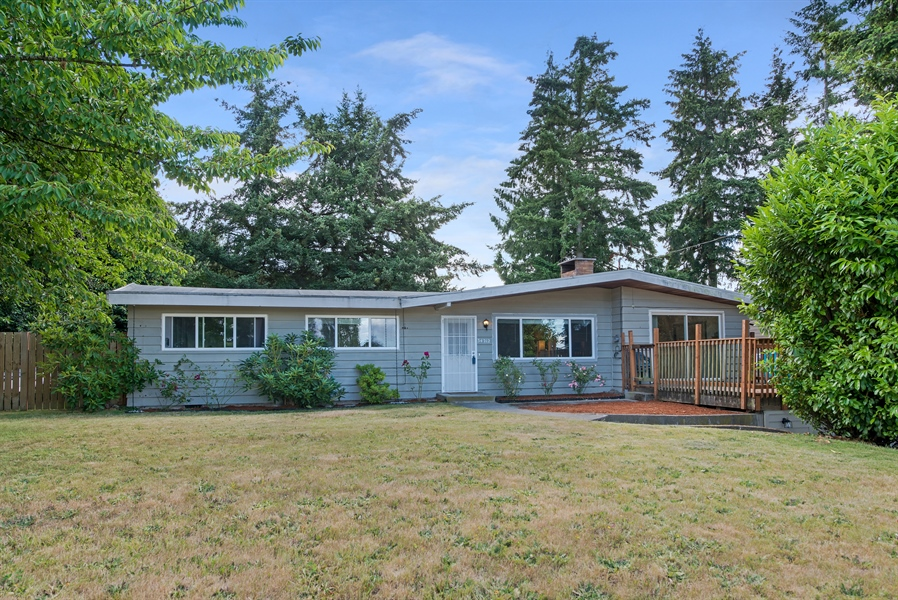 Real Estate Photography - 34212 18th Pl S, Federal Way, WA, 98003 - Front View