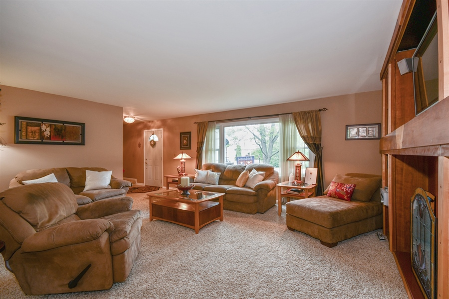Real Estate Photography - 0S690 Grant, Winfield, IL, 60190 - Living Room