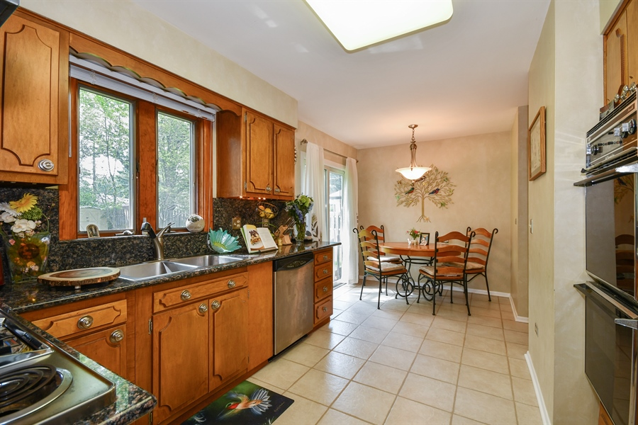 Real Estate Photography - 0S690 Grant, Winfield, IL, 60190 - Kitchen