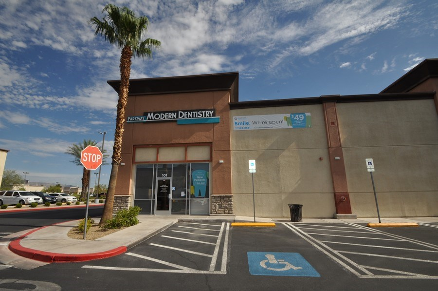 Real Estate Photography - 7565 W Washington Ave, 101,Parkway Modern Dentistry, Las Vegas, NV, 89128 - Front View