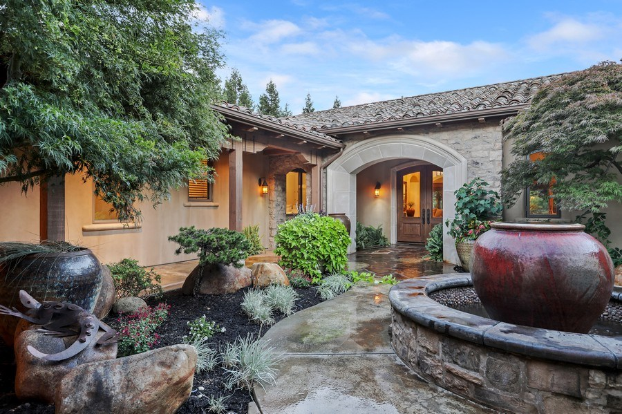 Real Estate Photography - 5183 Chelshire Downs Rd, Granite Bay, CA, 95746 - Courtyard