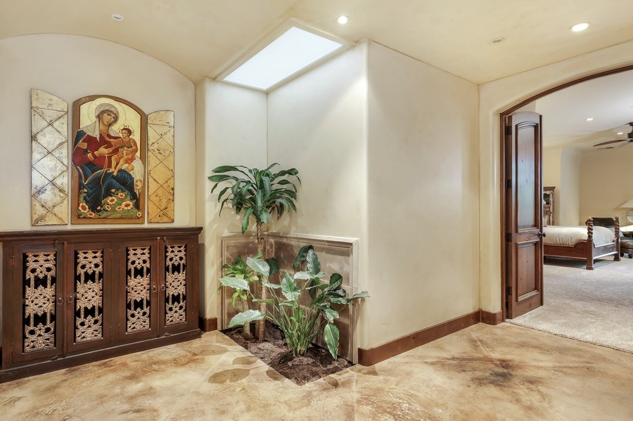 Real Estate Photography - 5183 Chelshire Downs Rd, Granite Bay, CA, 95746 - Foyer