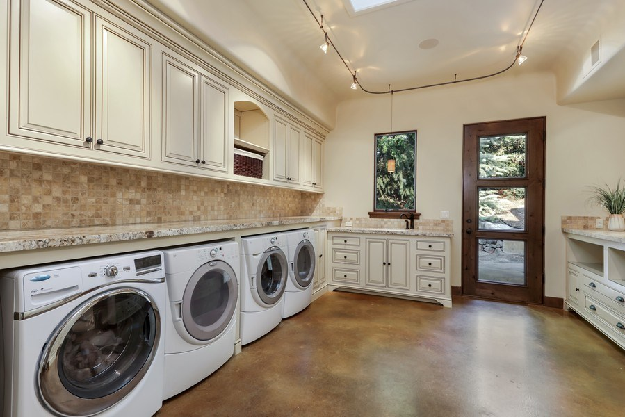 Real Estate Photography - 5183 Chelshire Downs Rd, Granite Bay, CA, 95746 - Laundry Room