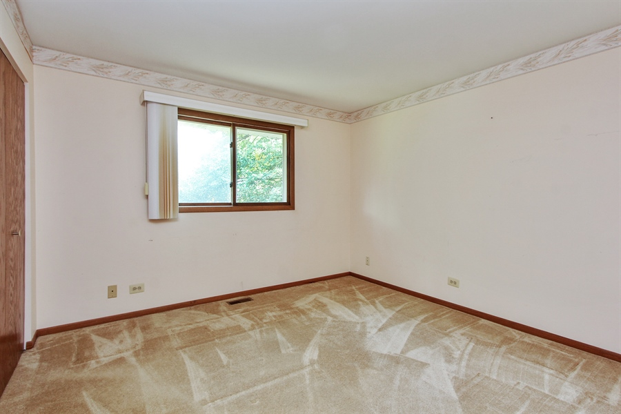 Real Estate Photography - 1182 Tracie Drive, Lake Zurich, IL, 60047 - 2nd Bedroom