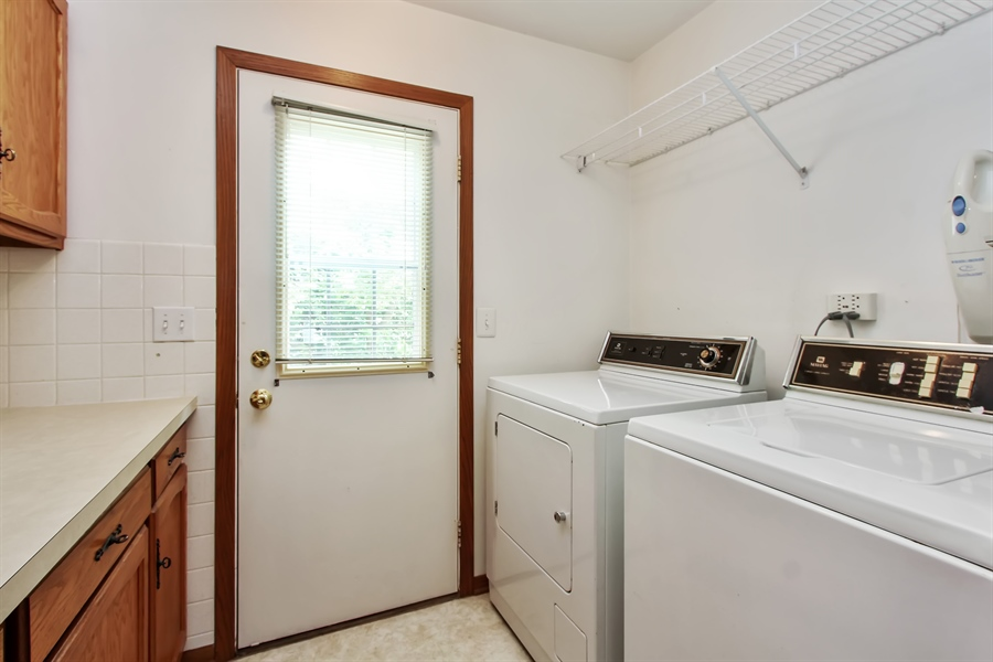 Real Estate Photography - 1182 Tracie Drive, Lake Zurich, IL, 60047 - Laundry Room