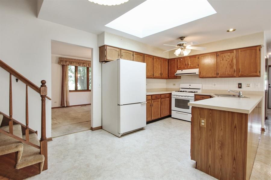 Real Estate Photography - 1182 Tracie Drive, Lake Zurich, IL, 60047 - Kitchen