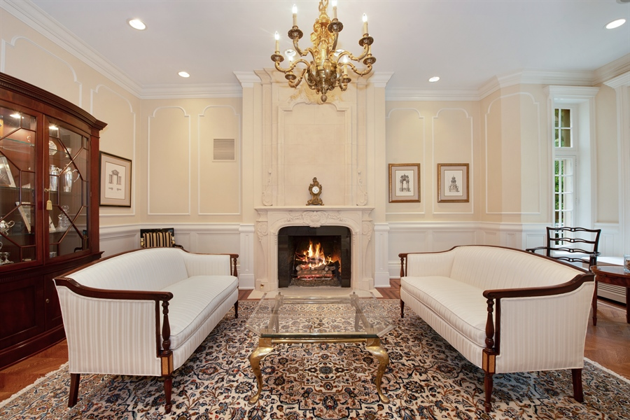Real Estate Photography - 1433 N State Pkwy, Chicago, IL, 60610 - Living Room