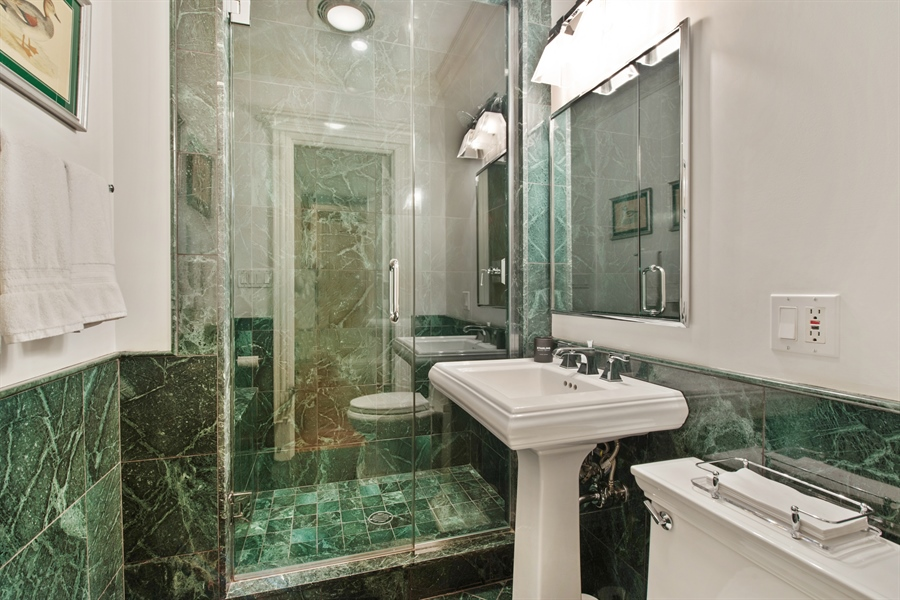 Real Estate Photography - 1433 N State Pkwy, Chicago, IL, 60610 - 3rd Bathroom