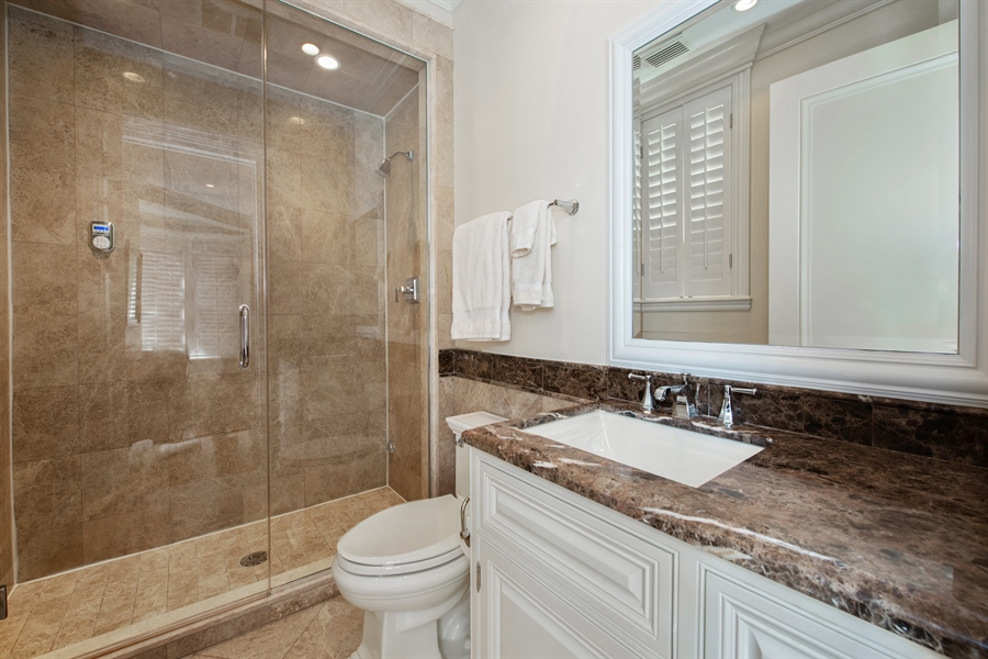 Real Estate Photography - 1433 N State Pkwy, Chicago, IL, 60610 - 4th Bathroom