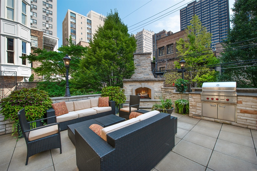 Real Estate Photography - 1433 N State Pkwy, Chicago, IL, 60610 - Patio