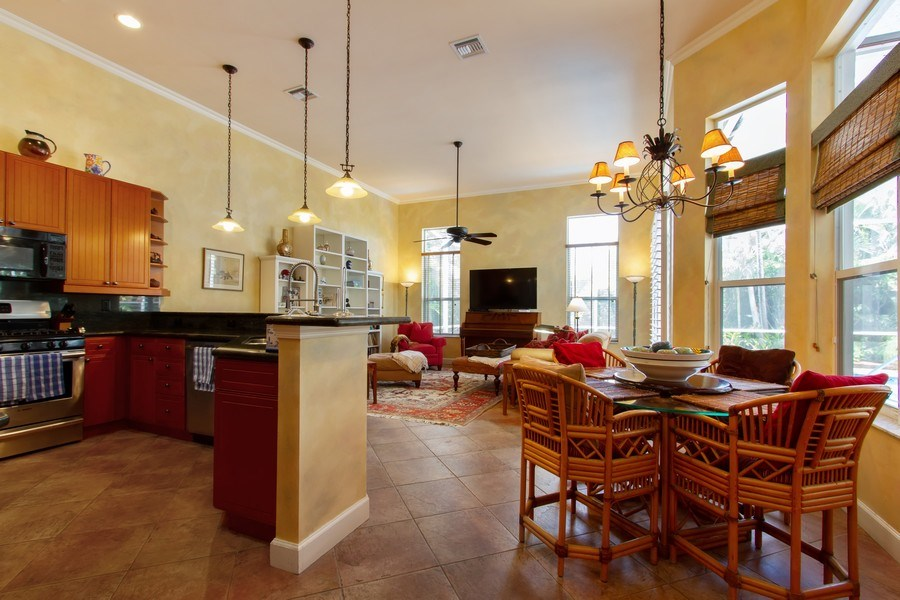 Real Estate Photography - 445 Pine Tree Court, Lake Worth, FL, 33462 - Kitchen / Breakfast Room