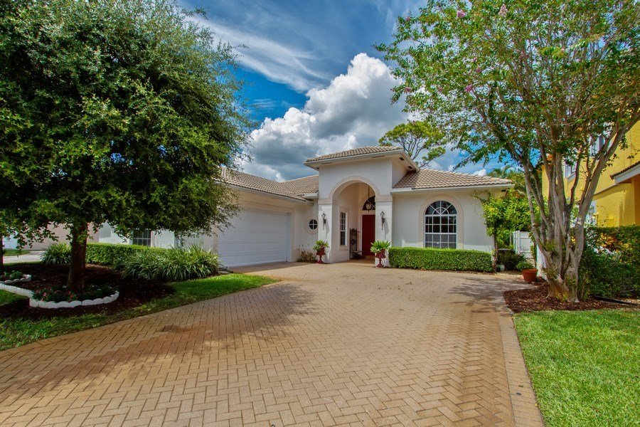 Real Estate Photography - 445 Pine Tree Court, Lake Worth, FL, 33462 - Front View