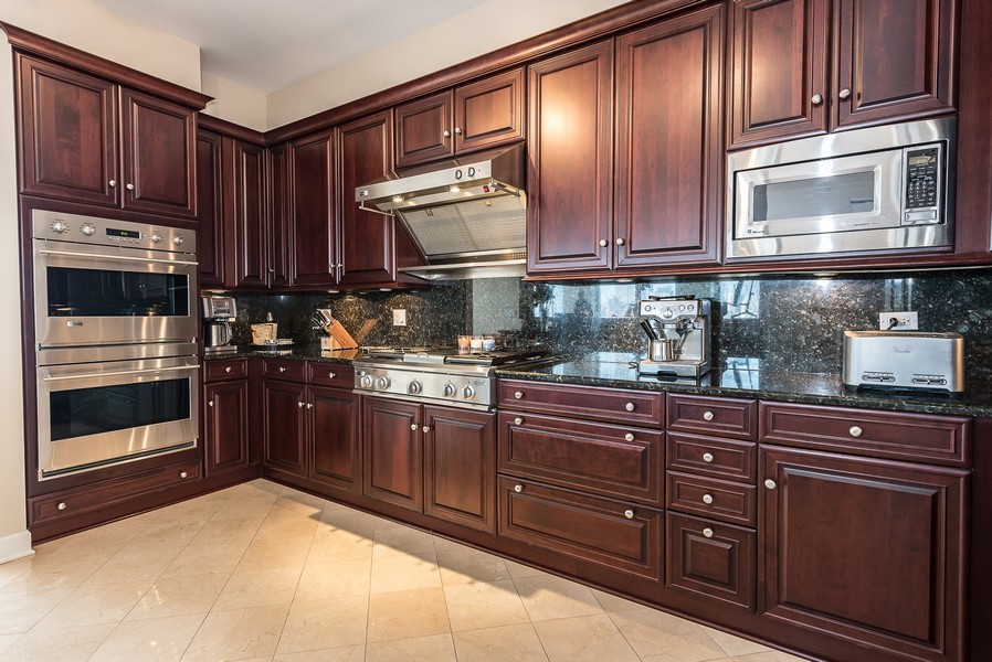 Real Estate Photography - 1211 S Prairie, Unit #3201, Chicago, IL, 60605 - Kitchen