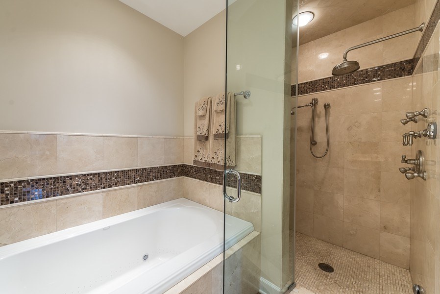 Real Estate Photography - 1211 S Prairie, Unit #3201, Chicago, IL, 60605 - Master Bath