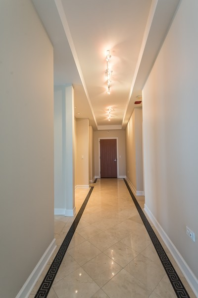 Real Estate Photography - 1211 S Prairie, Unit #3201, Chicago, IL, 60605 - Foyer