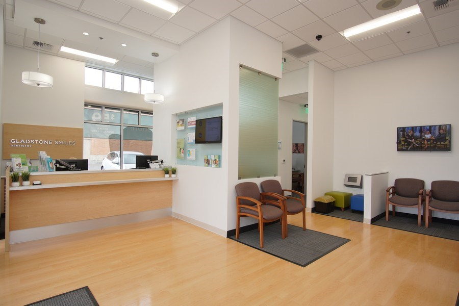 Real Estate Photography - 20140 McLoughlin Blvd, ,Gladstone Smiles, Gladstone, OR, 97027 - Office