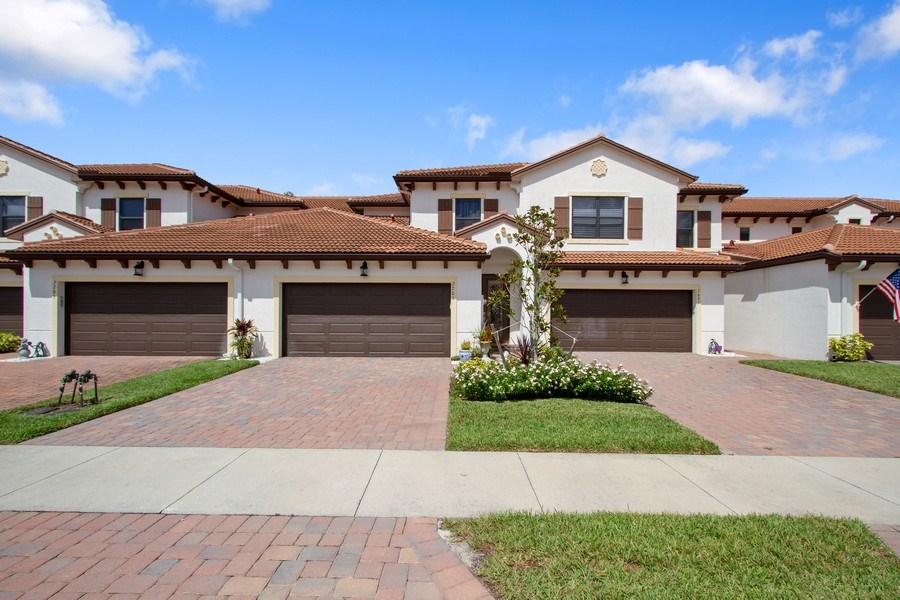 Real Estate Photography - 7701 Bristol Cir, Naples, FL, 34120 - Front View