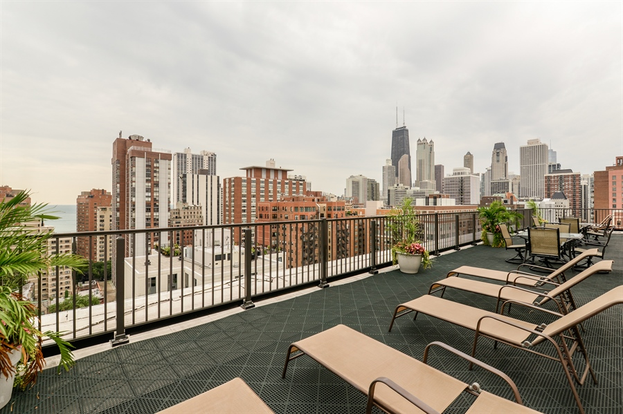 Real Estate Photography - 1344 N Dearborn Street #6A, Chicago, IL, 60610 - Roof Deck