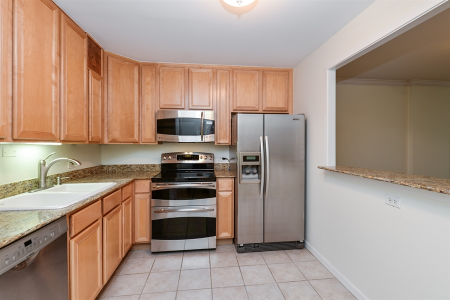 Real Estate Photography - 1344 N Dearborn Street #6A, Chicago, IL, 60610 - Kitchen