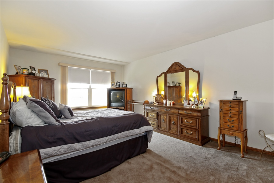 Real Estate Photography - 15627 Centennial Ct, Orland Park, IL, 60462 - Master Bedroom