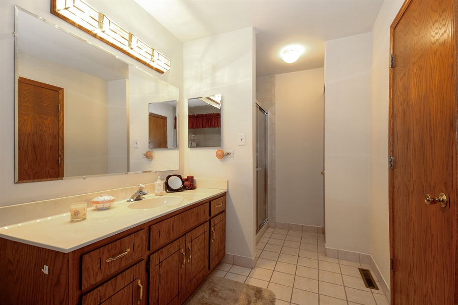 Real Estate Photography - 15627 Centennial Ct, Orland Park, IL, 60462 - Bathroom