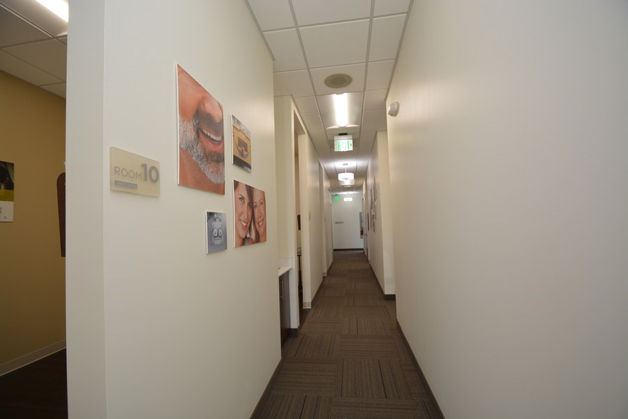 Real Estate Photography - 2682 Naglee Rd, Ste 110, Tracy, CA, 95304 - Hallway