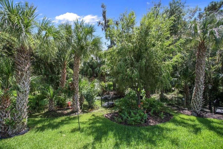 Real Estate Photography - 2614 Brookforest Dr, Wesley Chapel, FL, 33544 - Back Yard