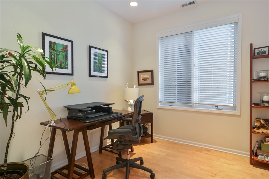 Real Estate Photography - 1637 W. Le Moyne #2, Chicago, IL, 60622 - 2nd Bedroom
