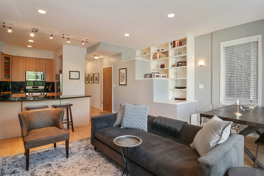 Real Estate Photography - 1637 W. Le Moyne #2, Chicago, IL, 60622 - Kitchen / Living Room