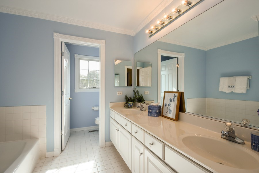 Real Estate Photography - 1074 O'Malley Court, Lake Zurich, IL, 60047 - 2nd Bathroom