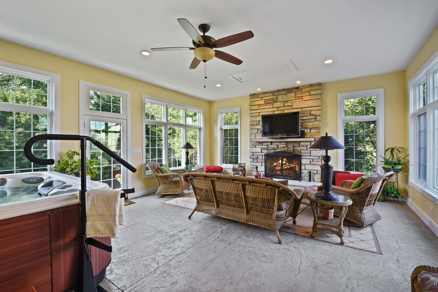 Real Estate Photography - 1074 O'Malley Court, Lake Zurich, IL, 60047 - Sun Room