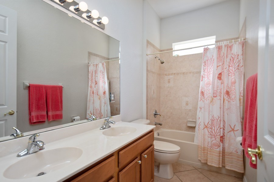 Real Estate Photography - 6136 Highwood Park Ln, Naples, FL, 34110 - 2nd Bathroom