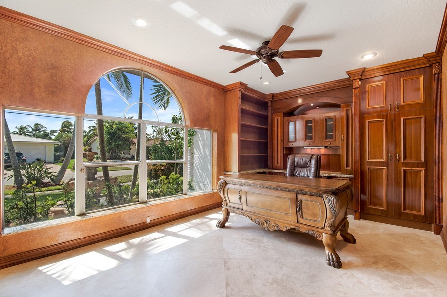 Real Estate Photography - 2641 NE 47th St, Lighthouse Point, FL, 33064 - Office