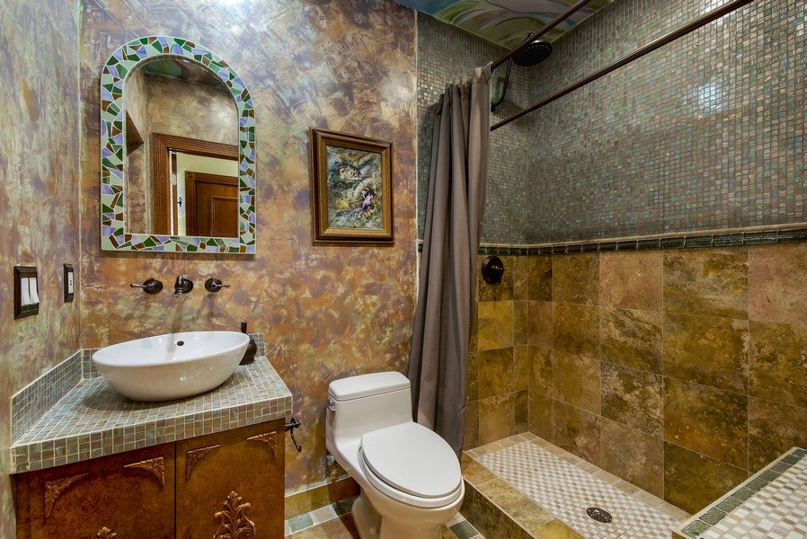 Real Estate Photography - 2641 NE 47th St, Lighthouse Point, FL, 33064 - 2nd Bathroom