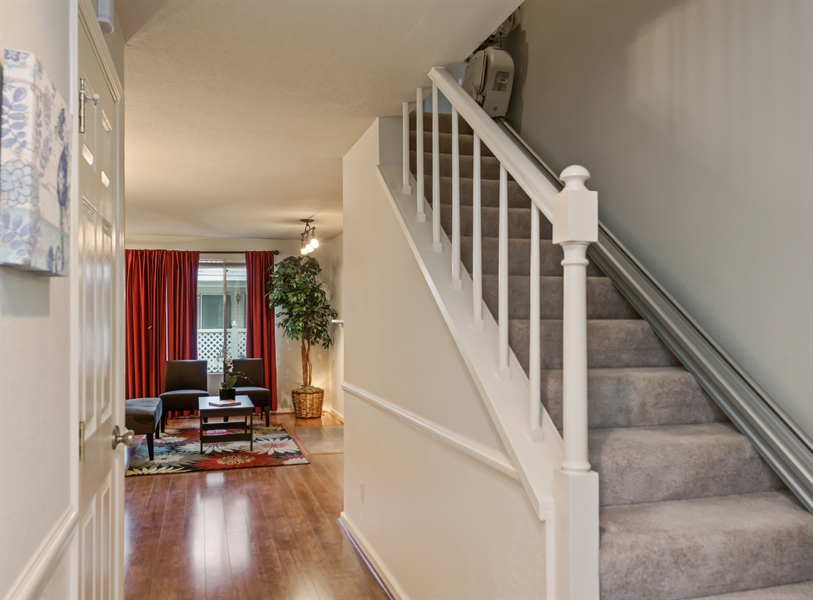 Real Estate Photography - 25812 115th Ave SE #B104, Kent, WA, 98030 - Foyer