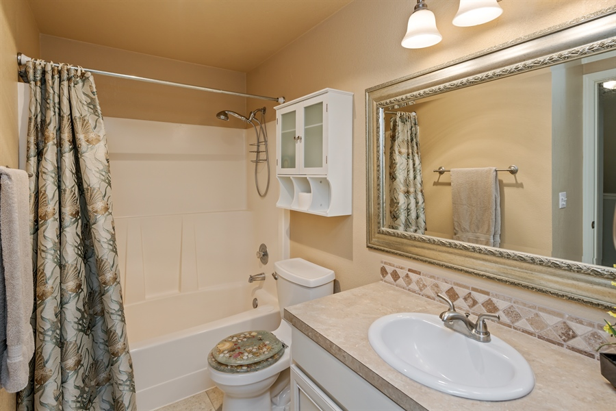 Real Estate Photography - 25812 115th Ave SE #B104, Kent, WA, 98030 - Bathroom