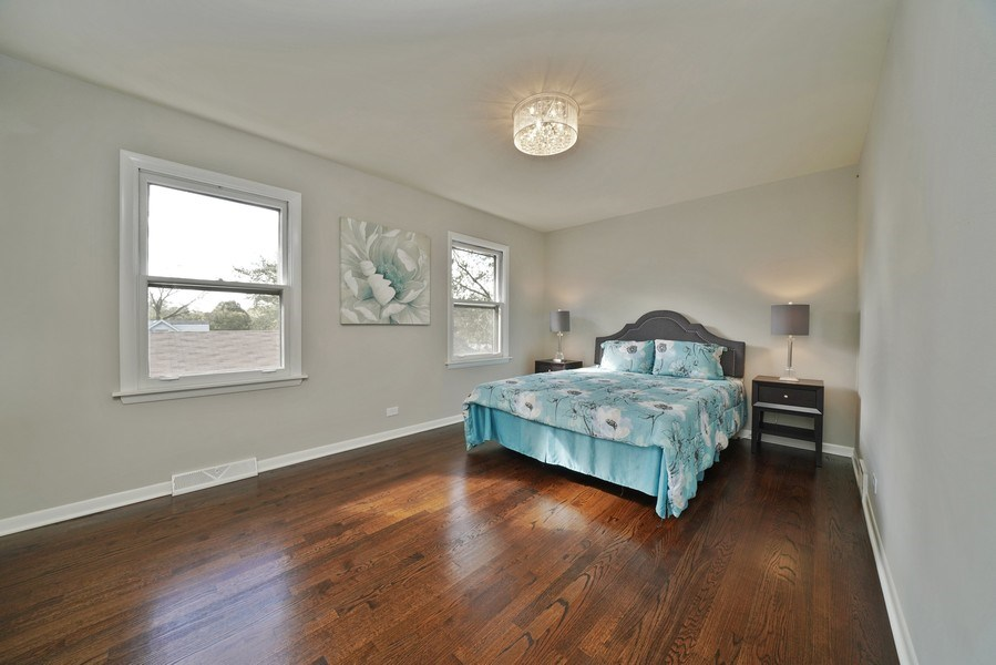 Real Estate Photography - 7 E Jackson St, Villa PArk, IL, 60181 - Master Bedroom