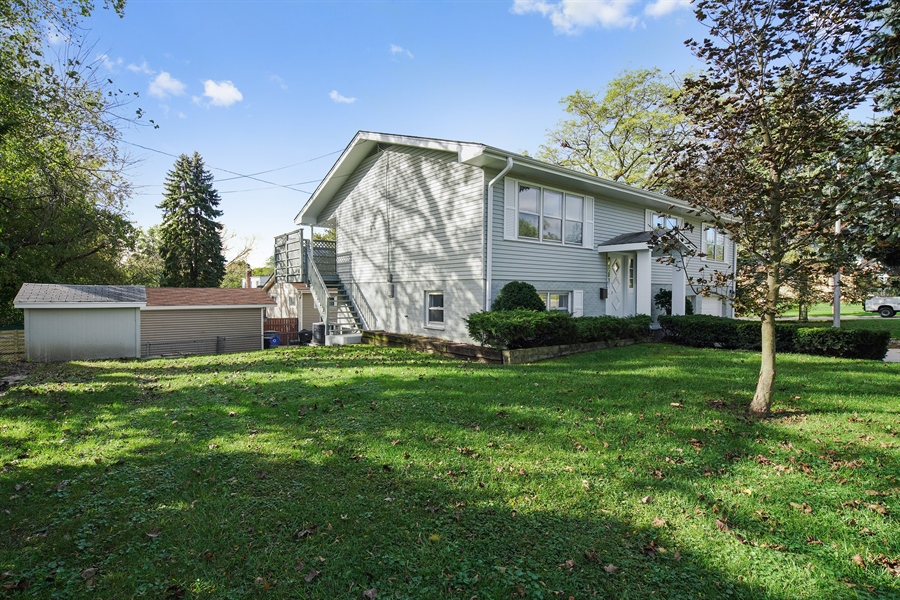 Real Estate Photography - 7 E Jackson St, Villa PArk, IL, 60181 - Side View