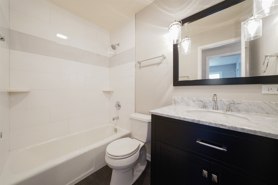 Real Estate Photography - 7 E Jackson St, Villa PArk, IL, 60181 - 2nd Bathroom